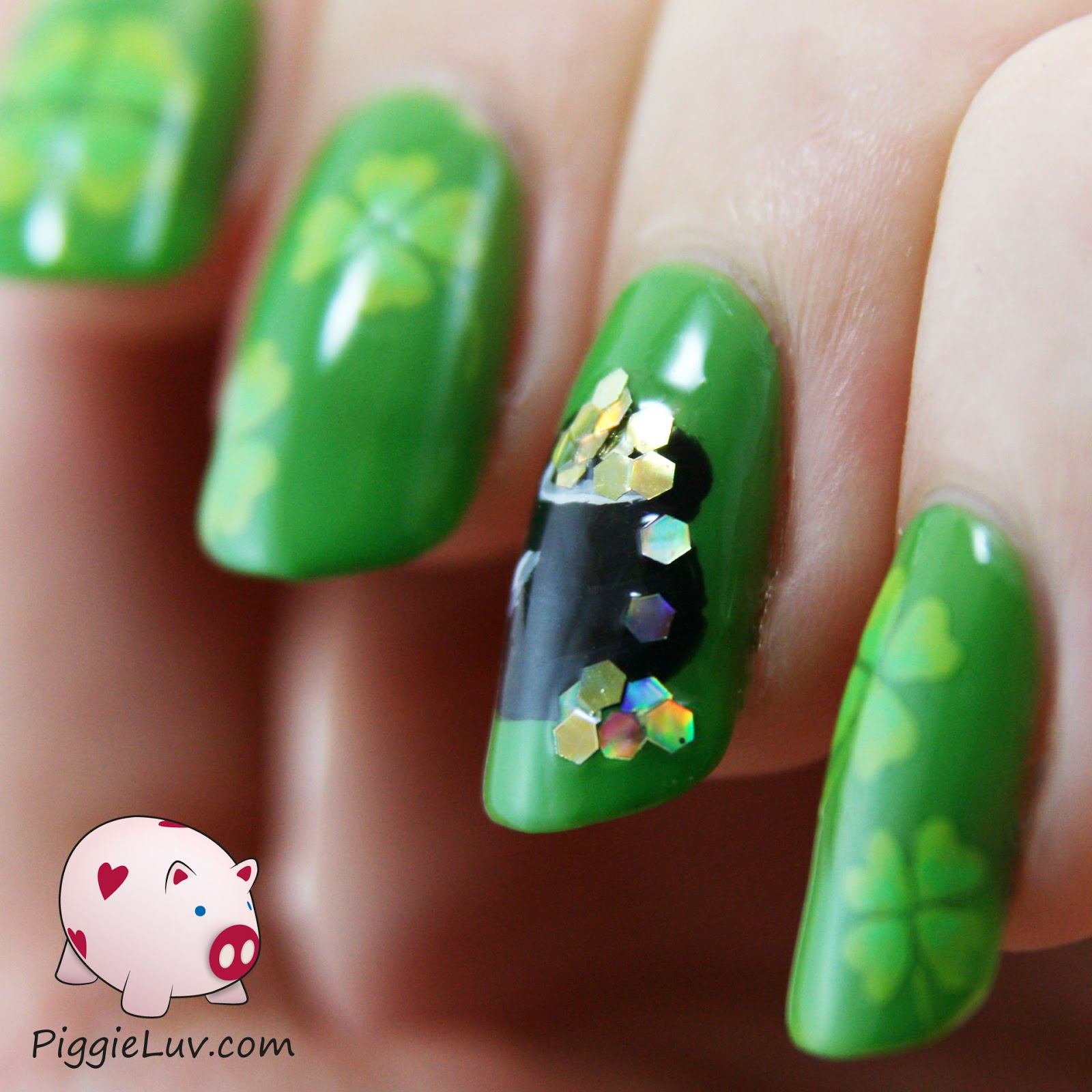 PiggieLuv: St. Patrick\'s Day nail art