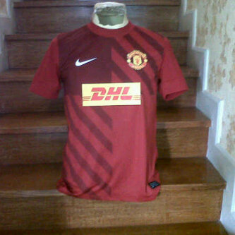 MU DHL training jersey Red