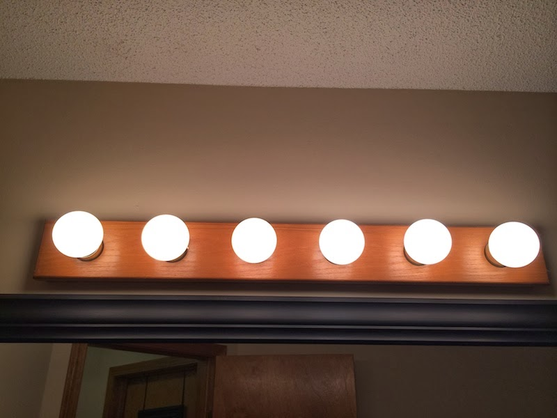 Vanity Light Bar Makeover : Handy in KS: Updating Old Oak Vanity Light Bar with Bronze Spray Paint