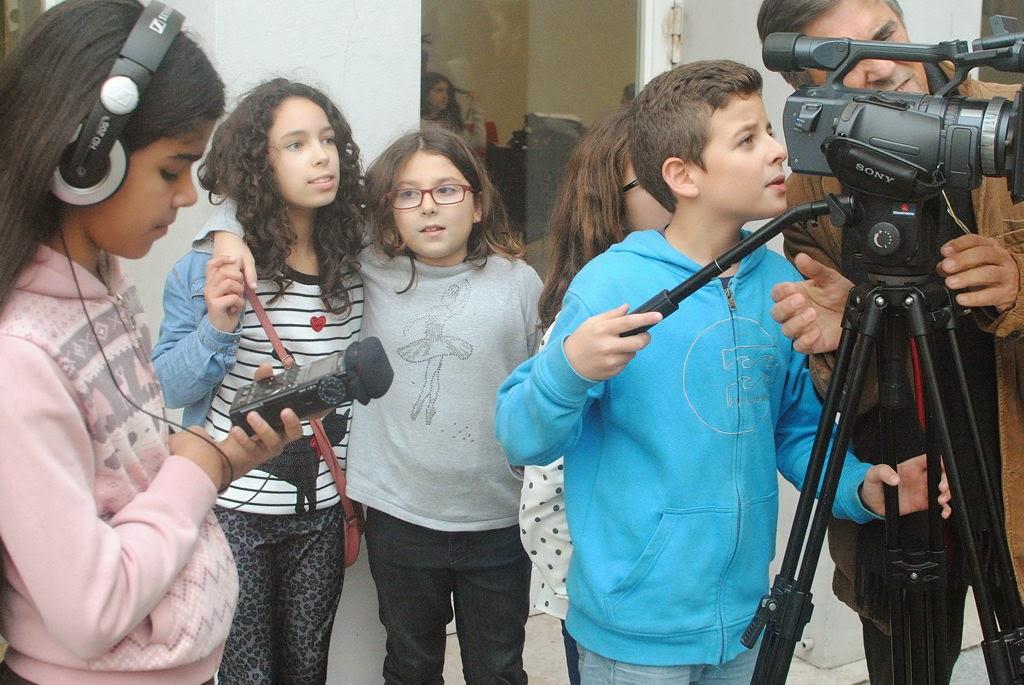 O MUNDO À NOSSA VOLTA - Cinema, cen anos de juventude - E.B.2.3 Marquesa de Alorna - Lisboa . Filmagem Exercício @ Escola E.B.2.3. Marquesa de Alorna