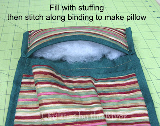Free pattern for a little sleeping bag for dolls or stuffed animals