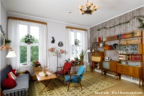 http://www.norskfolkemuseum.no/Utstillinger/OBOS-garden/Teak-TV-og-tenaringer--1965/