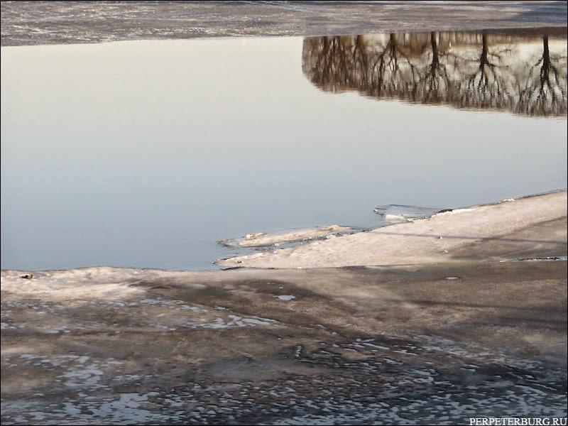 Фото Петербурга в отражениях