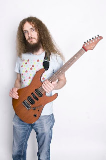 favorite, fusion, Guthrie Govan, hybrid picking, lesson, lick, maestro, master,