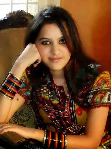 Beautiful+Pakistani+Girls+Wallpapers016