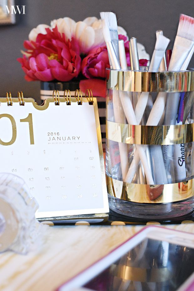 In under 5 minutes and $5 you can make a DIY gold foil striped Kate Spade inspired vase via monicawantsit.com