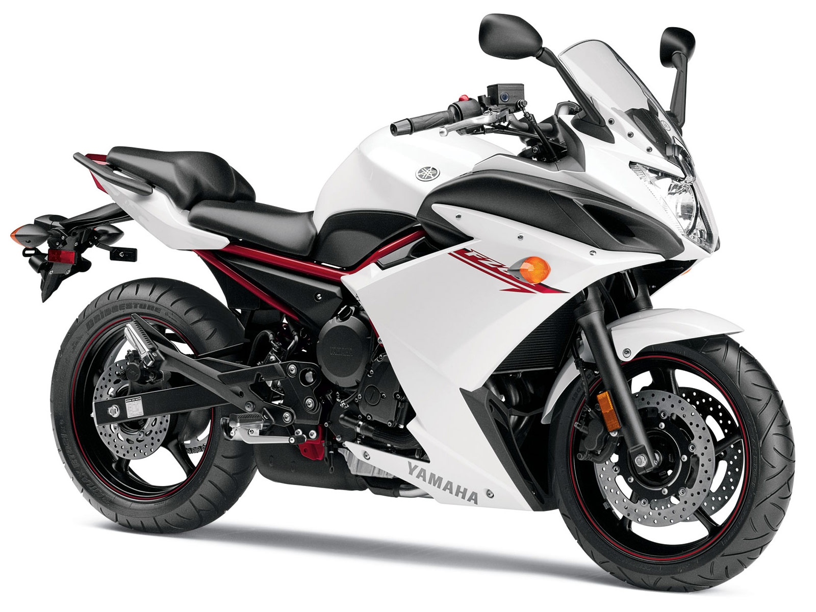 2013 Yamaha FZ6R motorcycle. USA, Canadian Specifications, pictures.
