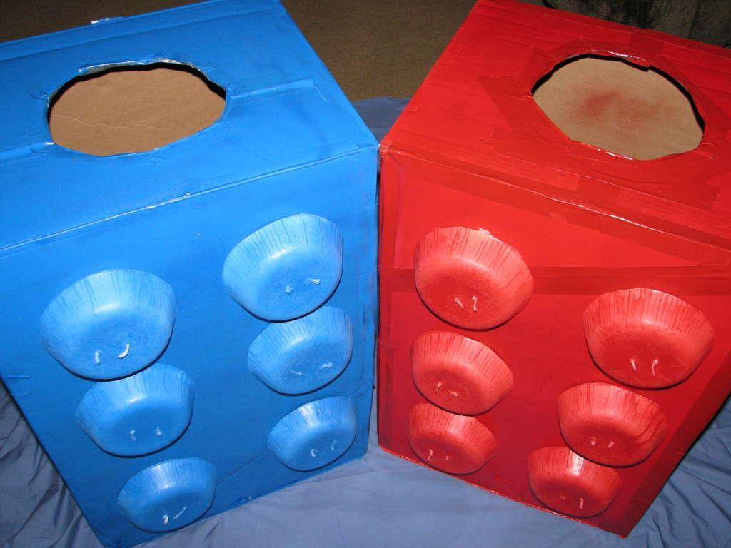reciclable cajas de carton para hacer un lego de disfraz para nino