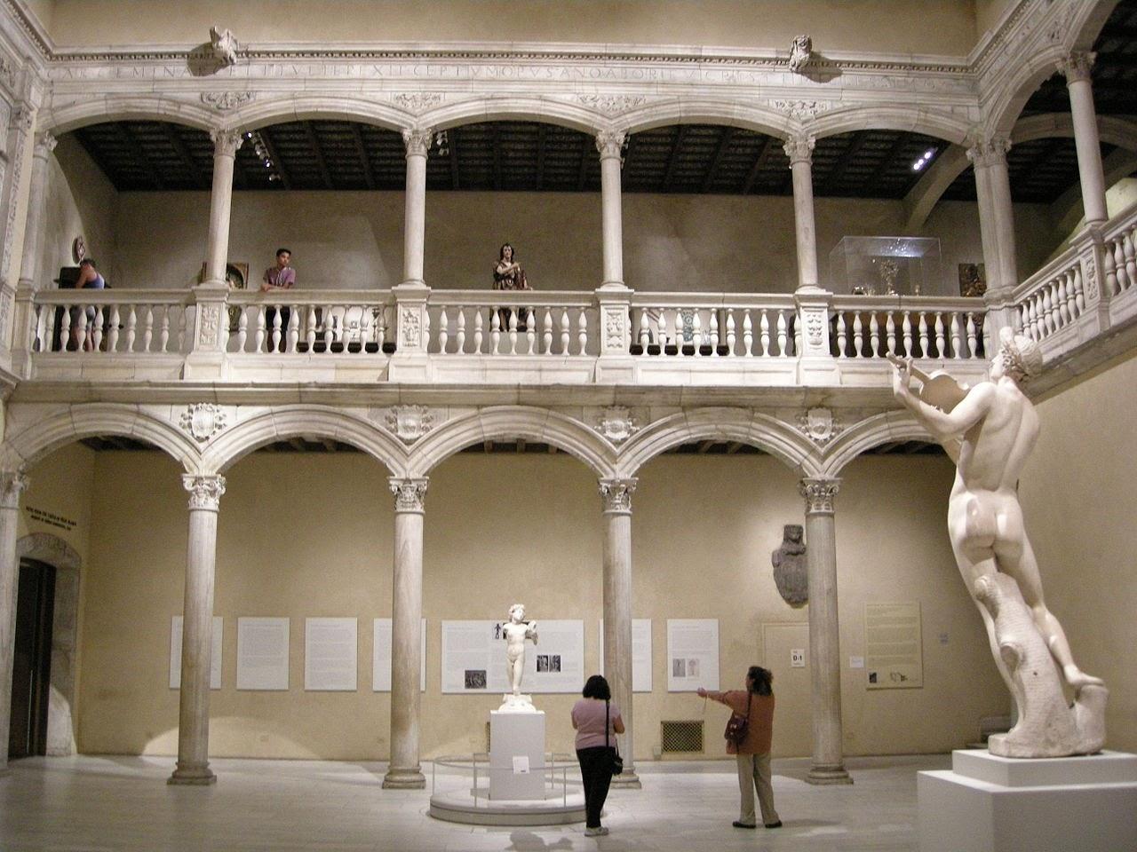 Patio del Castillo de Vélez Blanco en el Museo Metropolitano de Nueva York