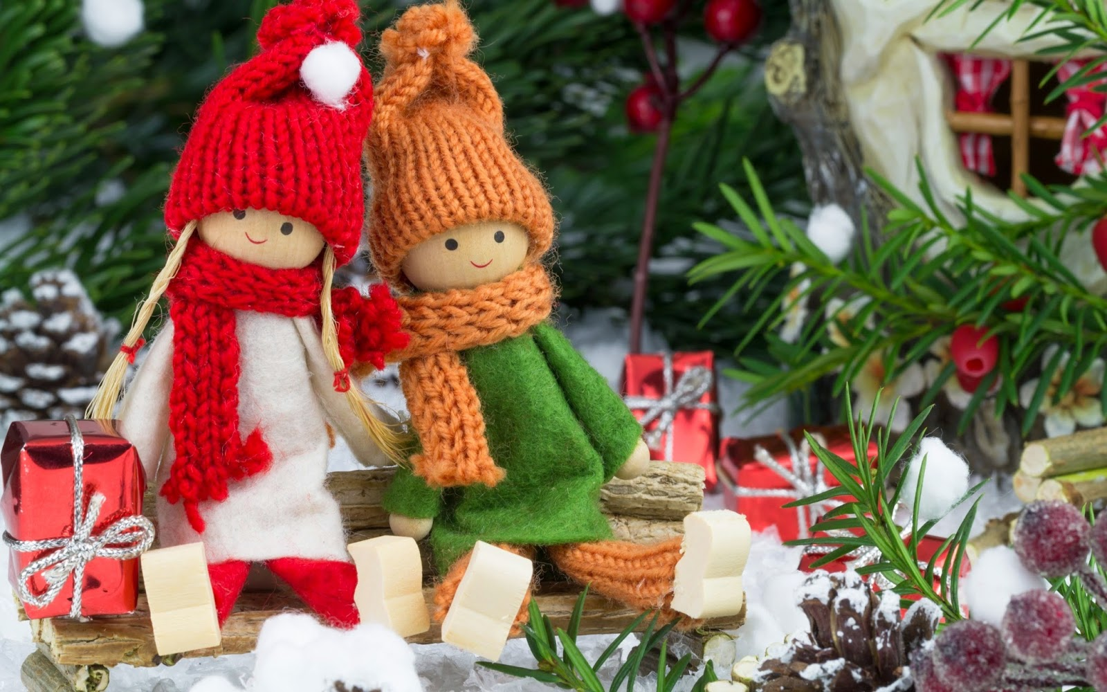 Handmade-Christmas-toys-beautiful-dolls-decoration-images-pictures-photos.jpg