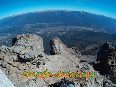 El Bolsón desde el pico del Cerro Piltriquitrón.
