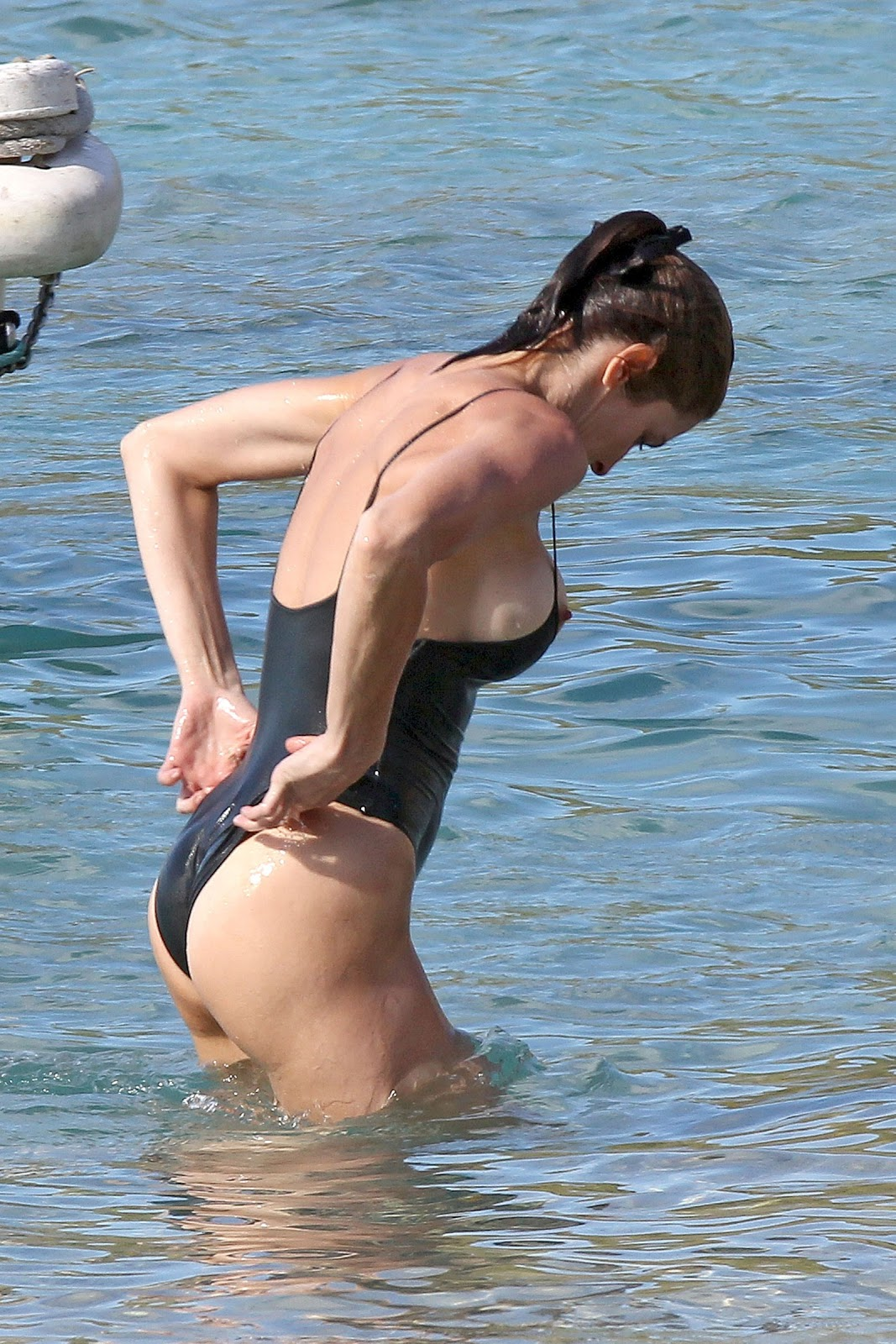 http://3.bp.blogspot.com/-XjP2bXs_Scg/UN6NhNOmZaI/AAAAAAABSXk/qy2wmt1UClY/s1600/Stephanie-Seymour-31.jpg