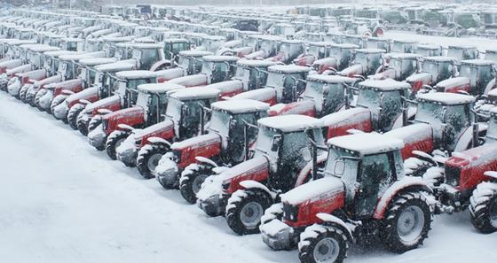 Ciągniki Massey Ferguson w śniegu!