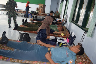 Donor Darah Dan Bazar Ramaikan Peringatan HUT TNI Dan Kodam