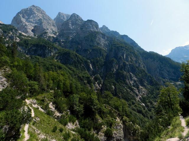 Sentiero per la valle Zadnjica