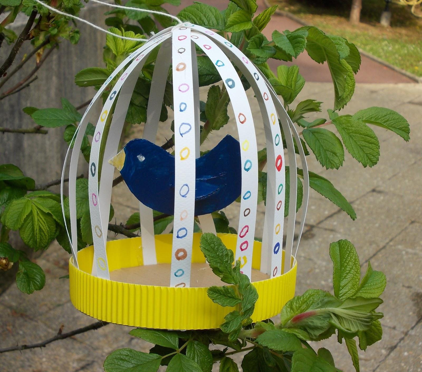 cage oiseaux faire avec les enfants mimi vermicelle cours art plastique et mosa que. Black Bedroom Furniture Sets. Home Design Ideas