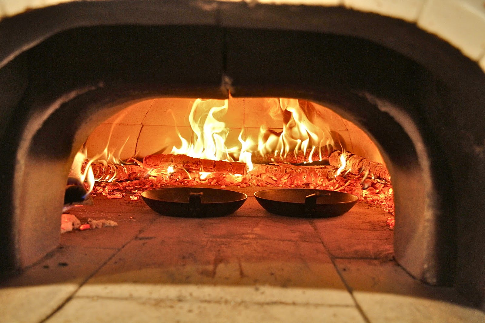 how to use a wood fire oven