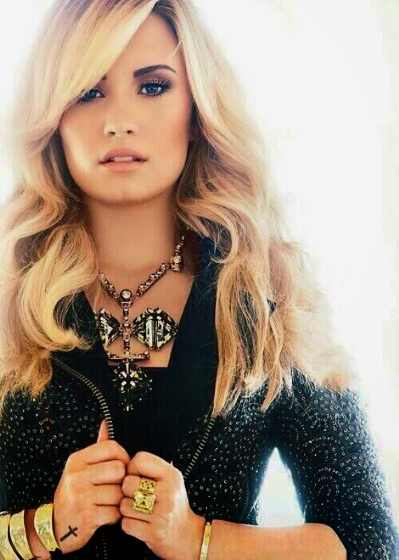 And Smart Actressthis Actress Acting Is Very Different Another Actressso Please Watch The Demi Lovato Hottest Wallpapers Download From This Site