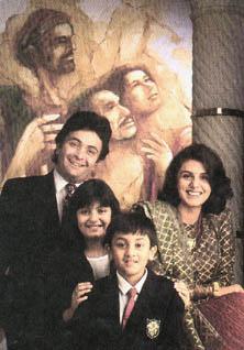 Rishi Kapoor - Riddhima - Ranbir - Neetu Singh