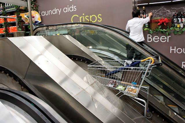 FUSION Escalera mecánica carrito compra supermercado Hong Kong