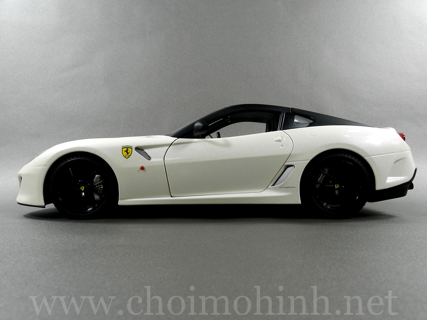 Ferrari 599 GTO 1:18 Hot Wheels side