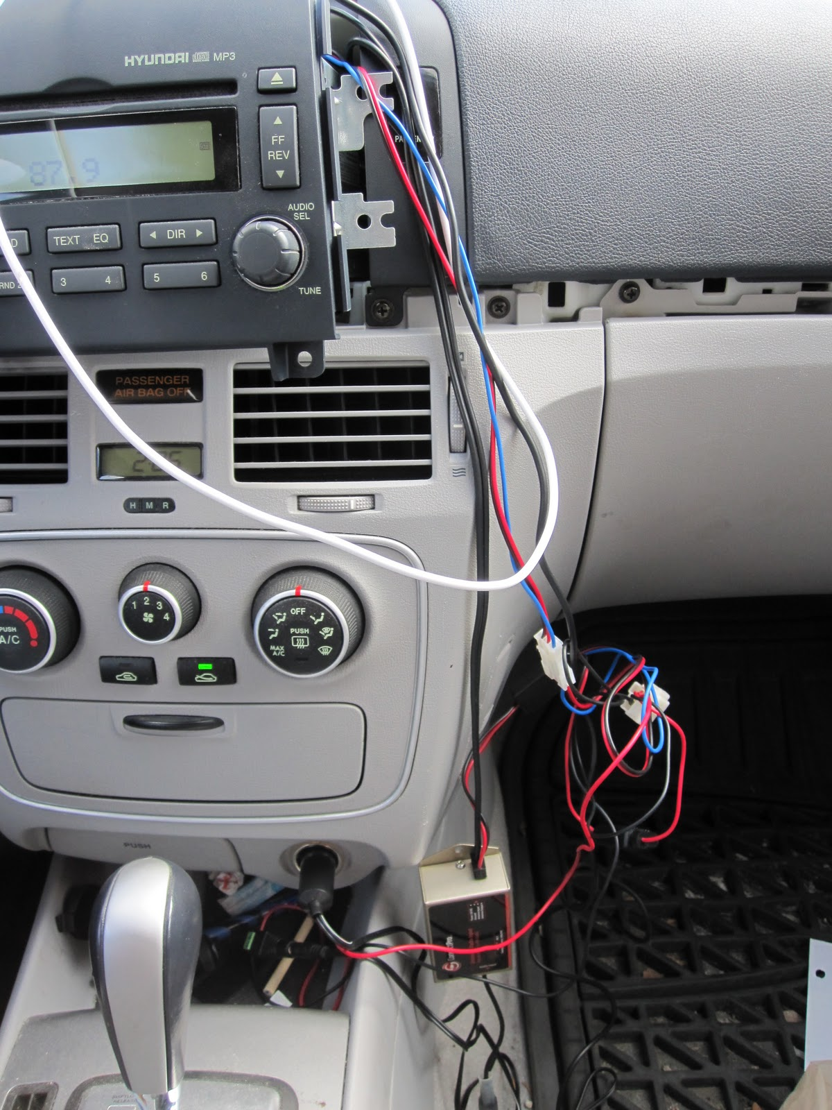 2007 Hyundai Sonata Aux Input Mp3 03 Wiring Diagram I Ran The Wires From Box Through A Hole Behind Glove Compartment Wanted To Leave Accessible In Case Needed Change Default Radio