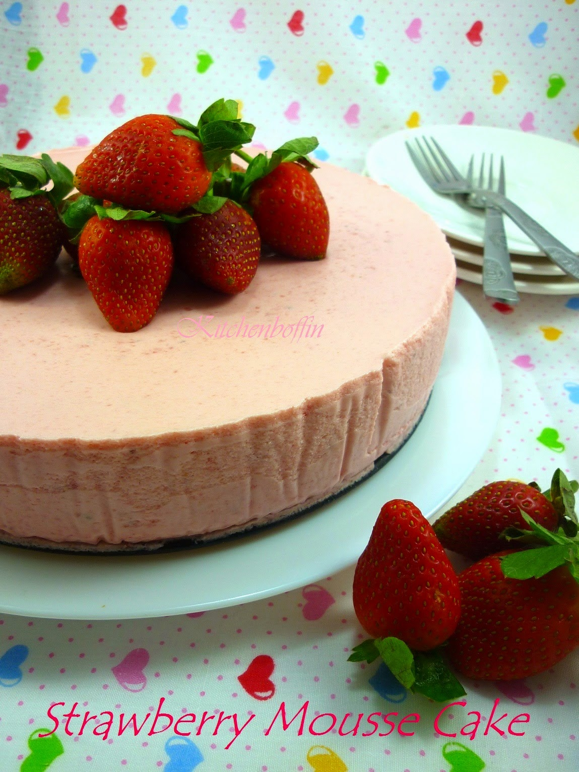 Kitchen boffin strawberry mousse cake strawberry mousse cake i was tempted to make this cake after i saw it in one of my buddy bloggers blog full scoops the procedures proved to be easy and sisterspd