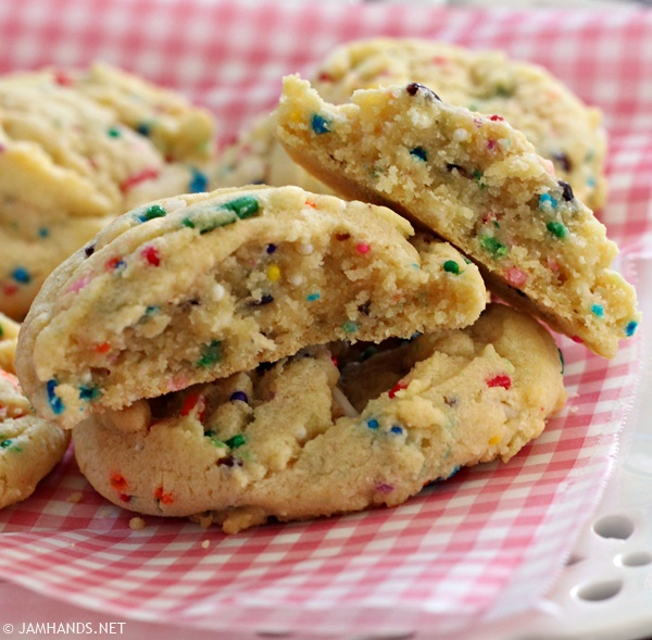 Soft Sprinkle Pudding Cookies   www.jamhands.net
