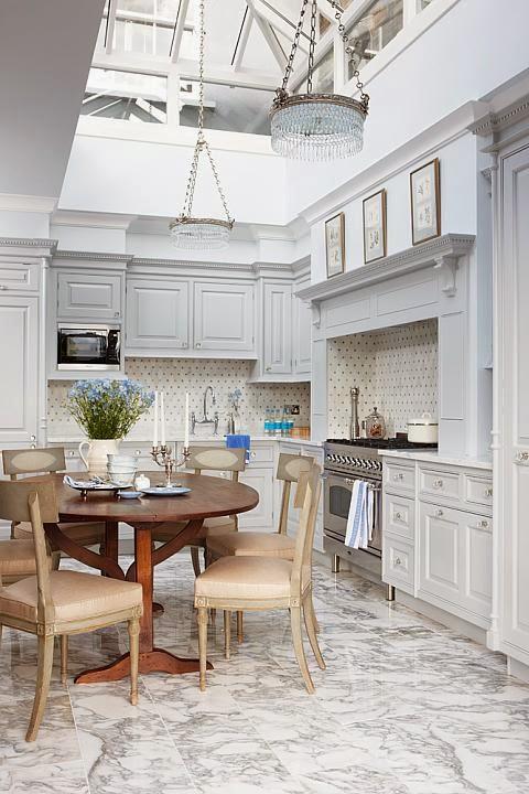 Color changes everything sarah richardson london flat for Sarah richardson kitchen designs