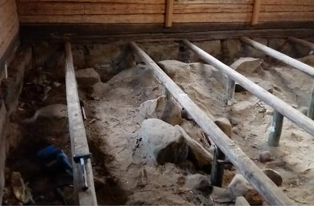 maapenkka, hirsitalo, vanha lattia, uusiminen