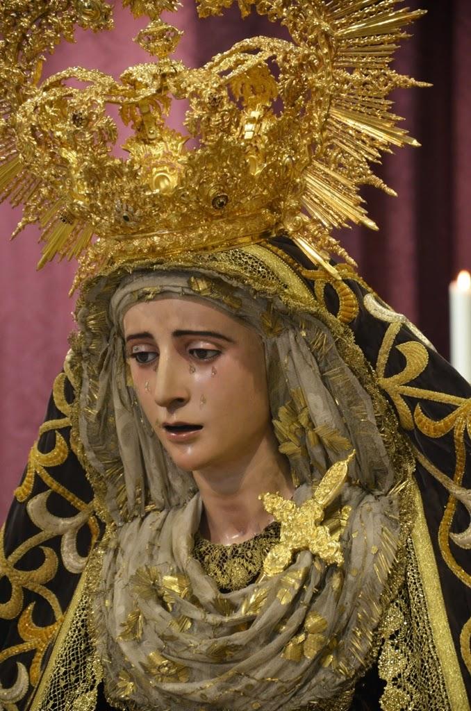 Nuestra Señora de los Dolores Coronada.- Sevilla
