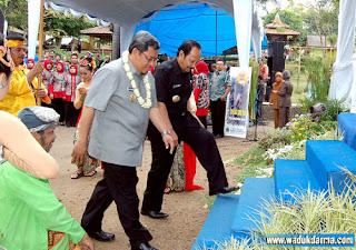 Gubernur Jawa Barat + Bupati Kuningan