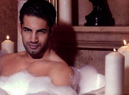 Shirtless Bollywood Man - Upen Patel