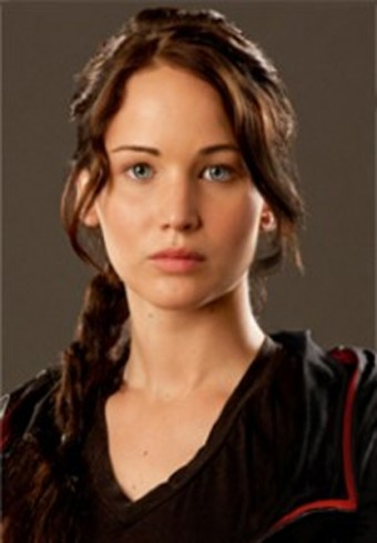 Mis Personajes  (Nimueh) ^^ Jennifer_Lawrence_as_Katniss_Everdeen_The_Hunger_Games_promotional_photo_01-340_490