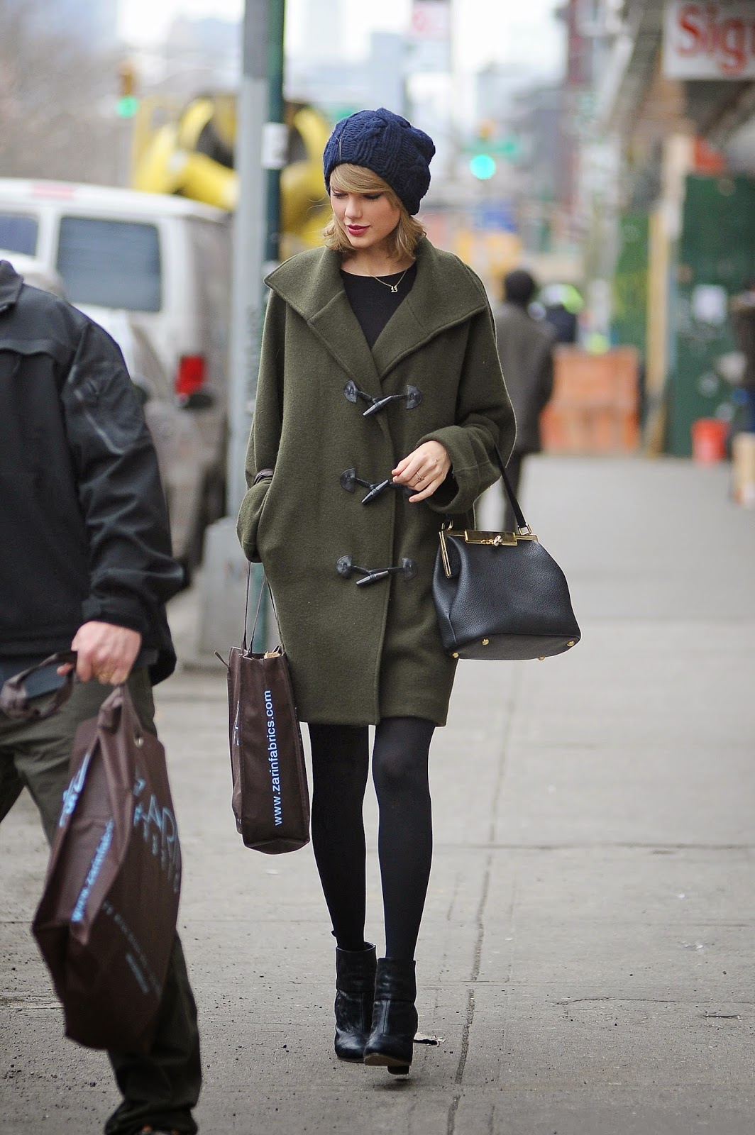 Taylor Swift wearing a duffle coat, Fashion and Cookies, fashion blogger