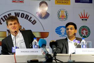 La conférence de presse de Carlsen et Anand après la 2e partie - Photo © site officiel
