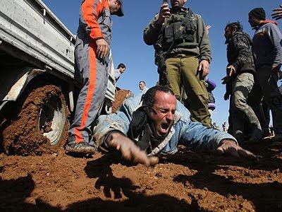 Palestinian worker