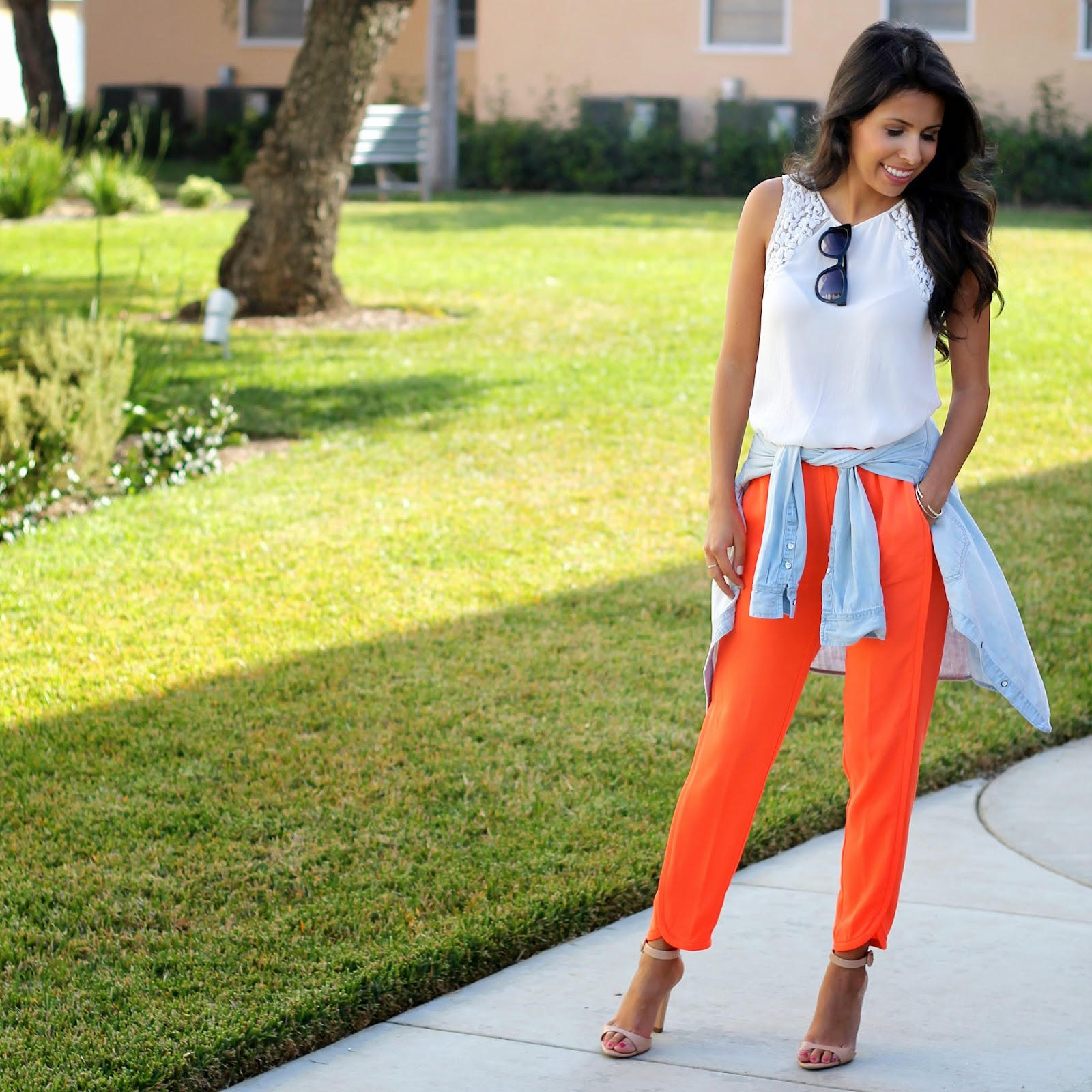 jogger pants, elastic pants for work, spring work outfit idea, how to style colorful pants, zara, jcrew outfit