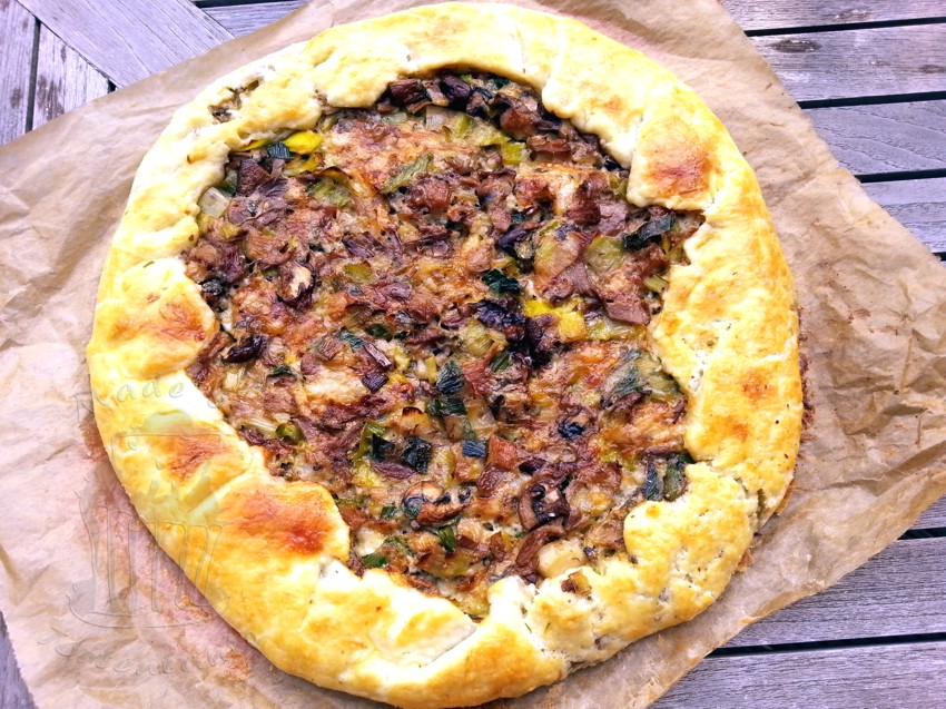 mushrooms pilze galette tarte quiche cheese Austernpilze