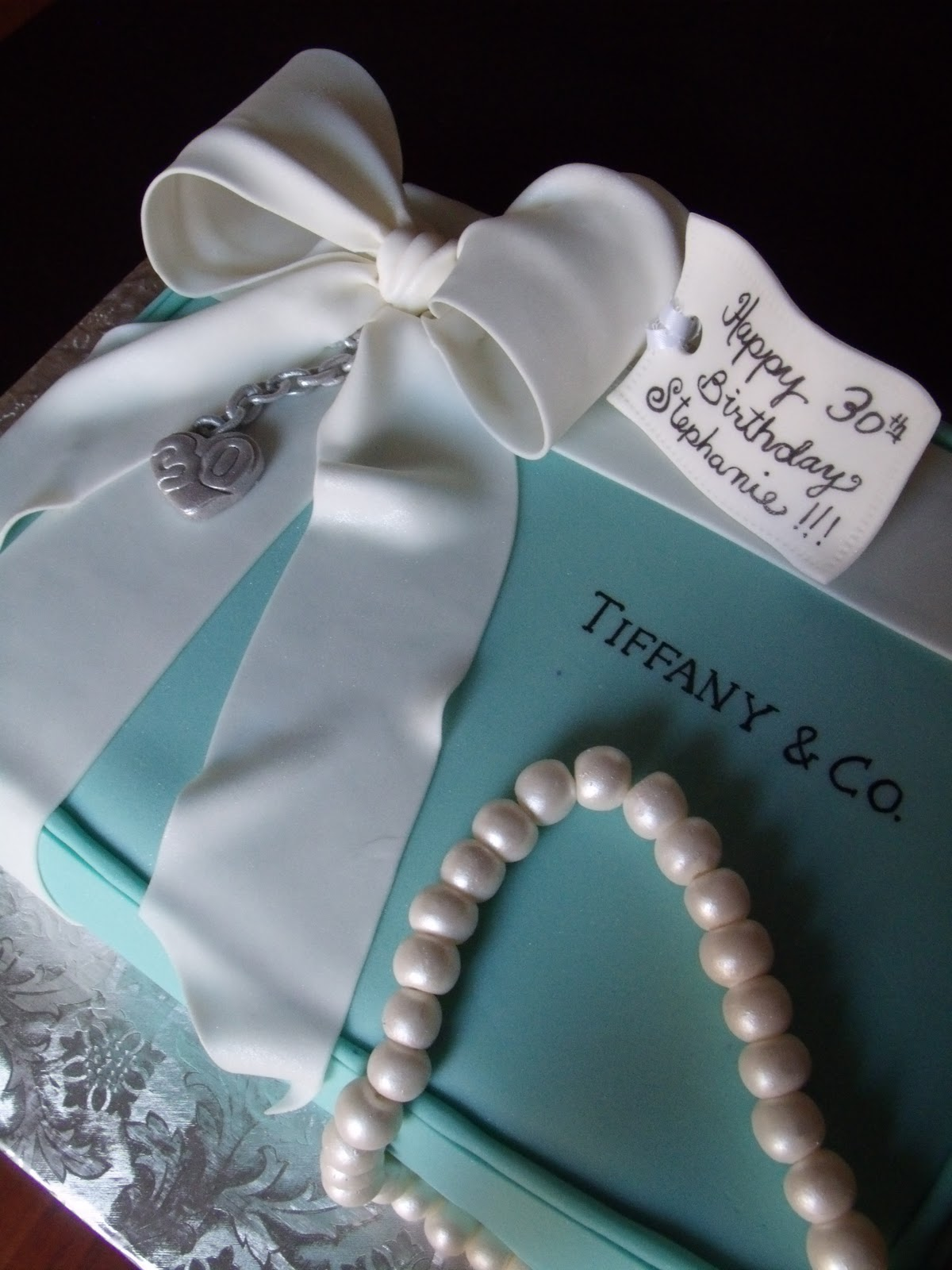 I Love Pearls Ribbons Bows And LOVE The Fact That This Dad Had Such A Special Cake Made For His Daughters 30th Birthday