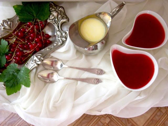 kisiel z czerwonej porzeczki z sosem waniliowym, przepis