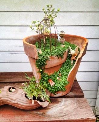 عمل تجميل للاواني المكسورة broken-pot-fairy-garden-18-326x400.jpg