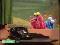 sesame-street-martians-discover-telephone
