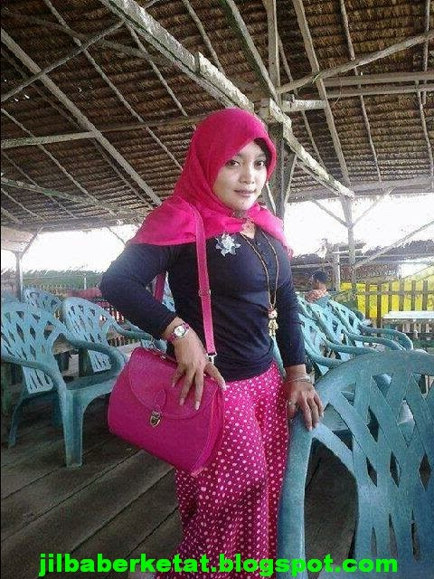 Fenomena Jilbaber Ketat - Tren Busana Hijab Yang Sedang ...