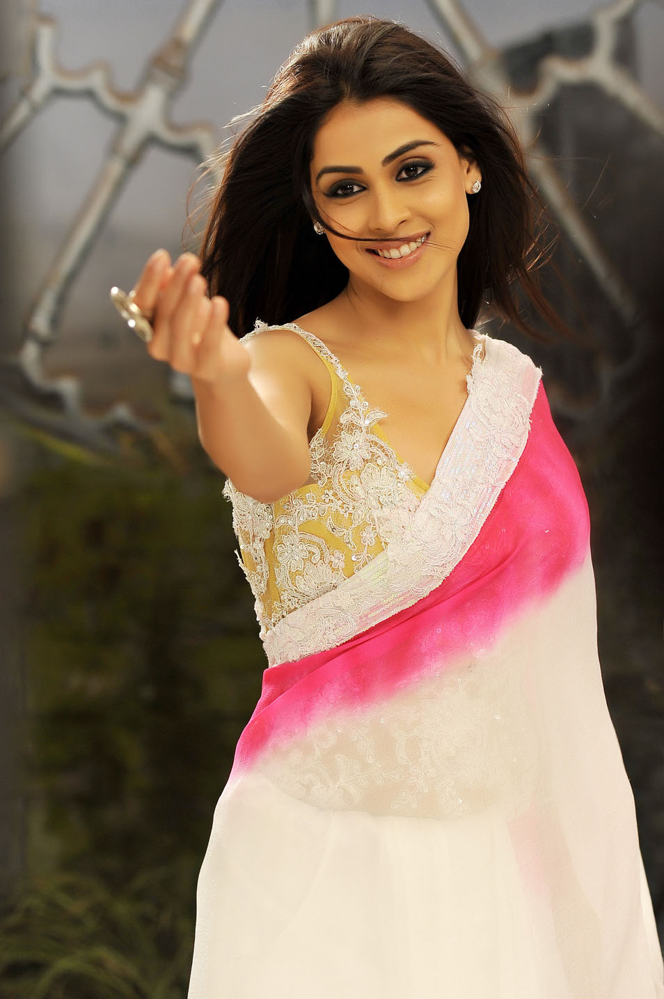 Genelia Latest Spicy Stills ~ Ur Tamil Cinema