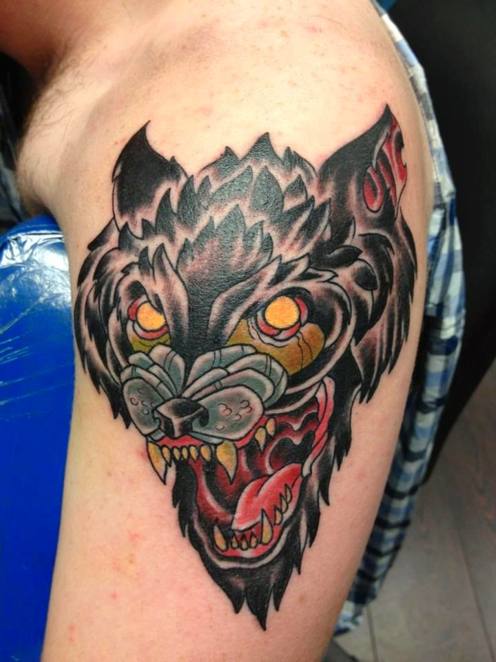 Great Traditional Wolf Head Tattoo Designs For You - photo#22