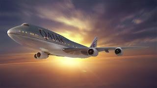 Máy bay Qatar Airways trên bầu trời