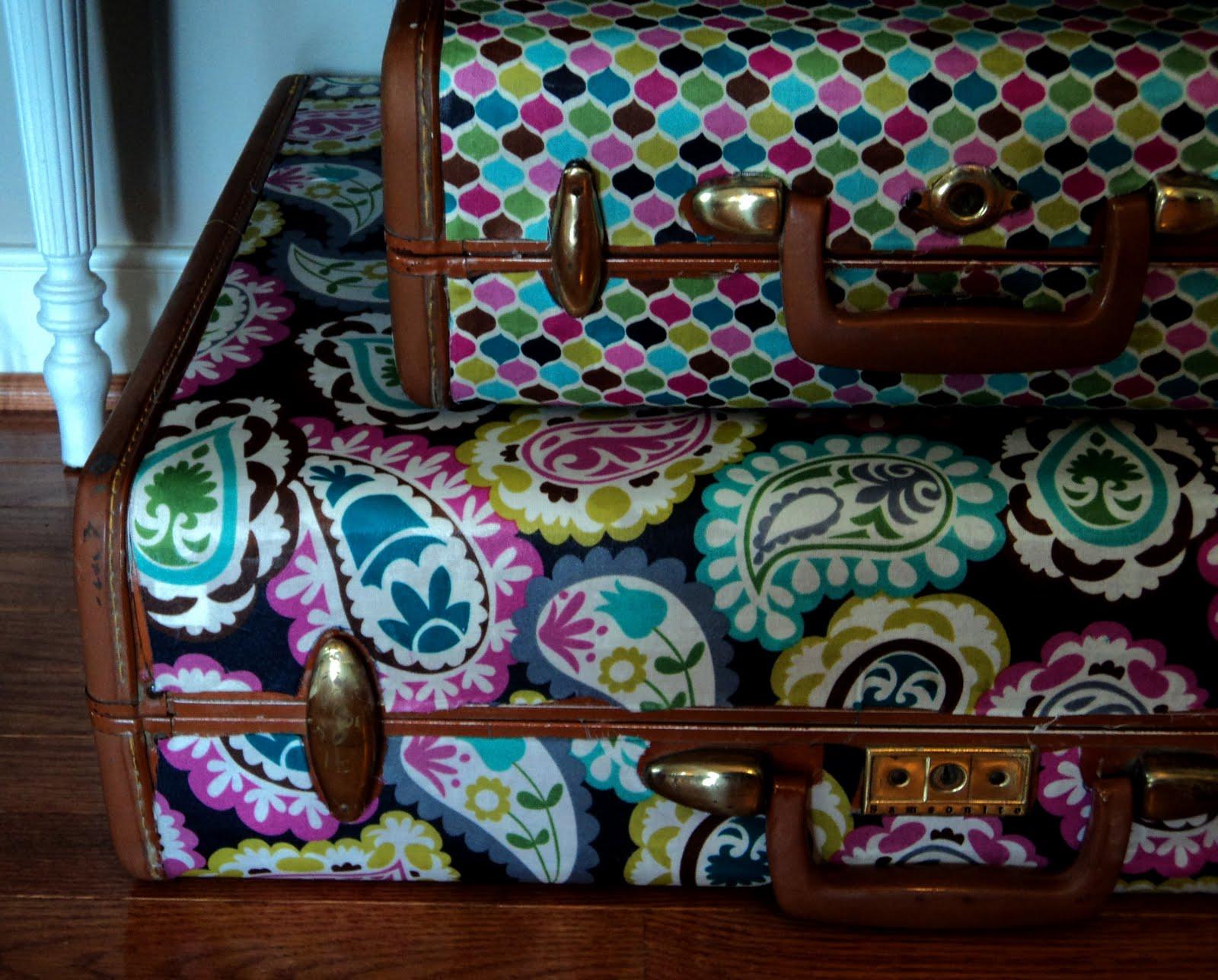 http://3.bp.blogspot.com/-Xn6k5tlVsg4/TamY91t-GVI/AAAAAAAAAU8/KdWQ5xL_Ysk/s1600/suitcases.jpg