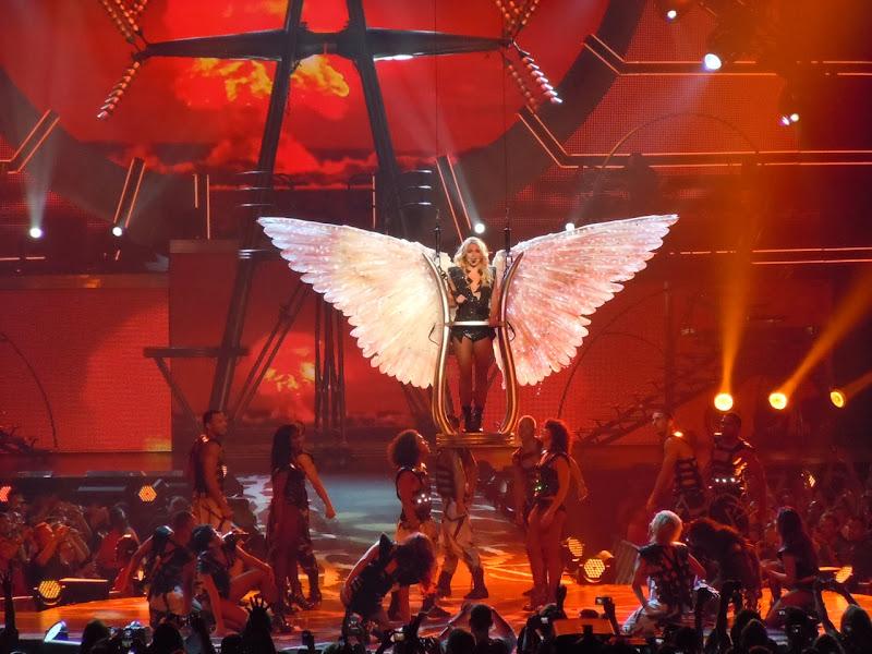 Angel finale Britney Femme Fatale concert