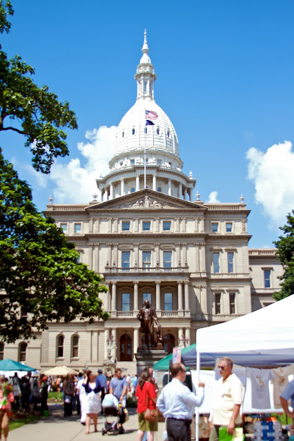 The Capitol building. Michigan Farmers Market at the Capitol 2013. Tammy Sue Allen Photography.